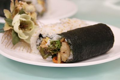 肉巻き寿司、みそ汁つきHP